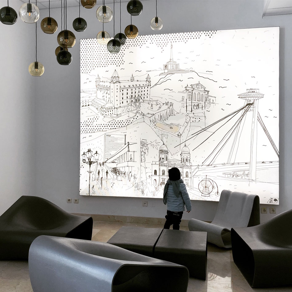 Podsvietený obraz Bratislavy - Vstupná hala v Apollo IV 17